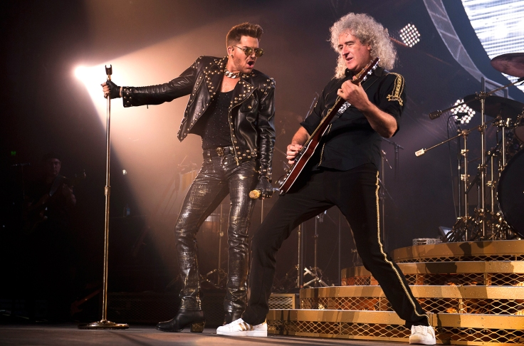dam-Lambert-performs-live-with-Brian-May-of-Queen-2014-a-billlboard-1548.jpg